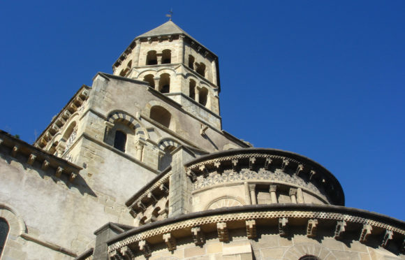 Eglise romane de Saint-Saturnin - Mond'Arverne Tourisme ©