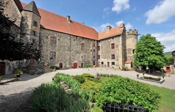 Château de Saint-Saturnin © J. Damase/Auvergne-Rhône-Alpes Tourisme