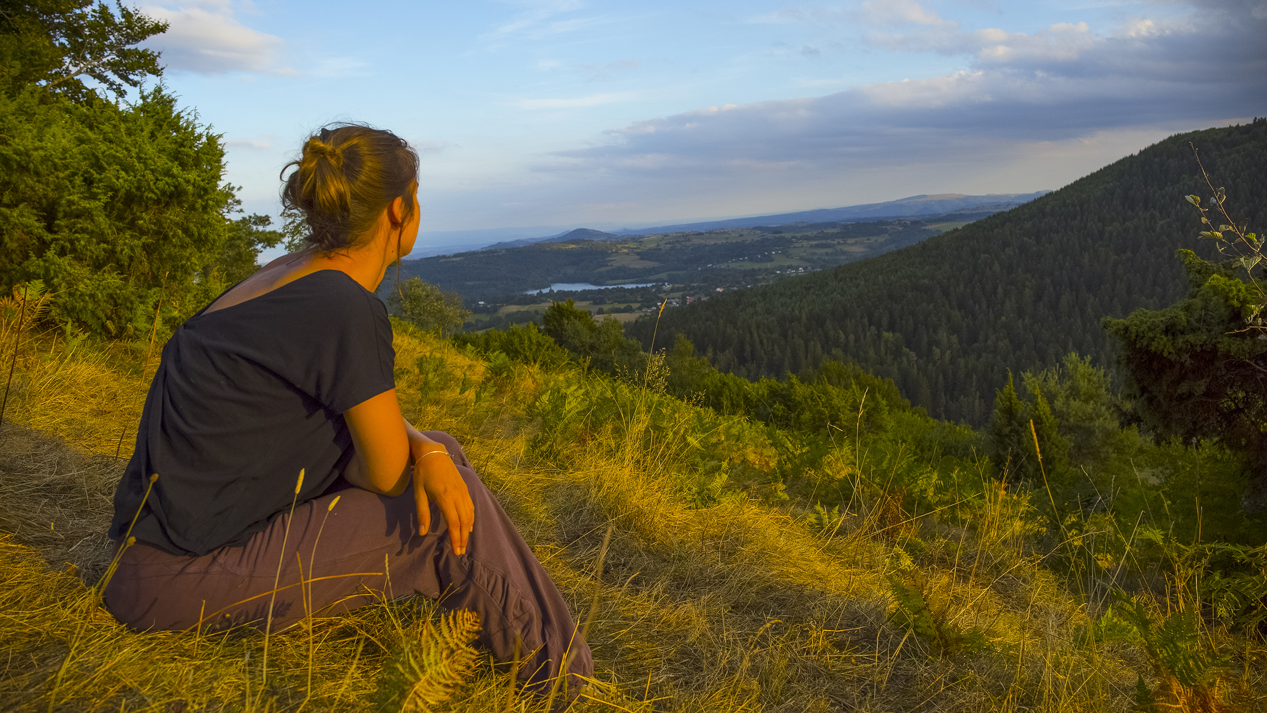 Contemplation in the heart of the Parc Naturel Régional des Volcans d'Auvergne - CANOPEE©