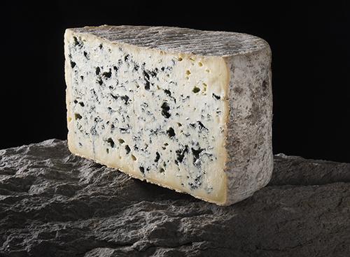 Bleu d'Auvergne - Fromages-AOP-d_Auvergne - J. Damase Auvergne-Rhône-Alpes Tourisme