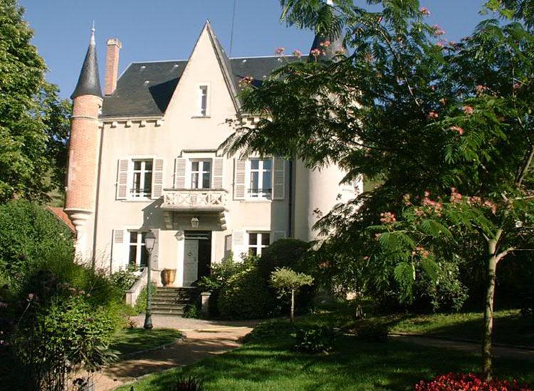 Chambres d'hôtes au fond de la cour à Veyre-Monton - M. FLEURY