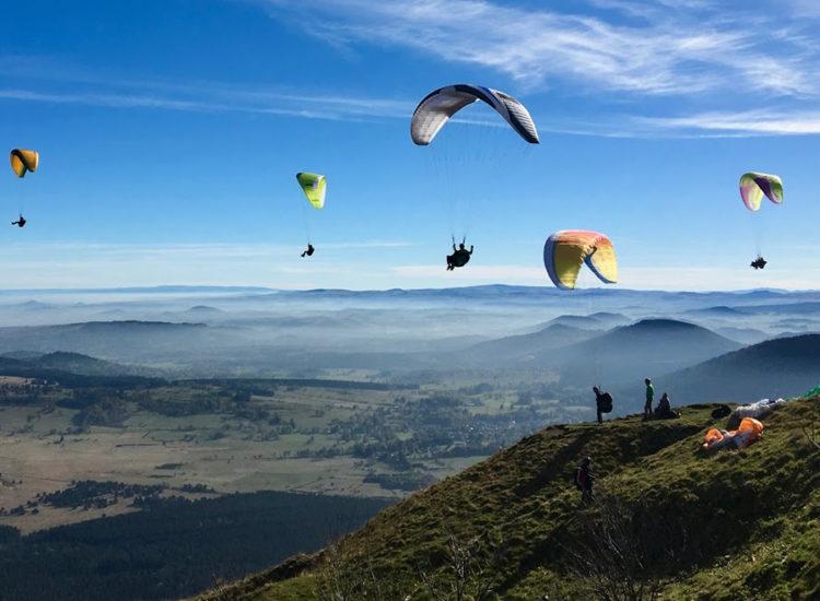 Vol en parapente sur les volcans de la chaîne des puys Freedom parapente