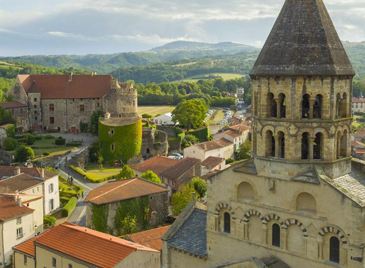 Saint Saturnin église romane et château royal - CANOPEE