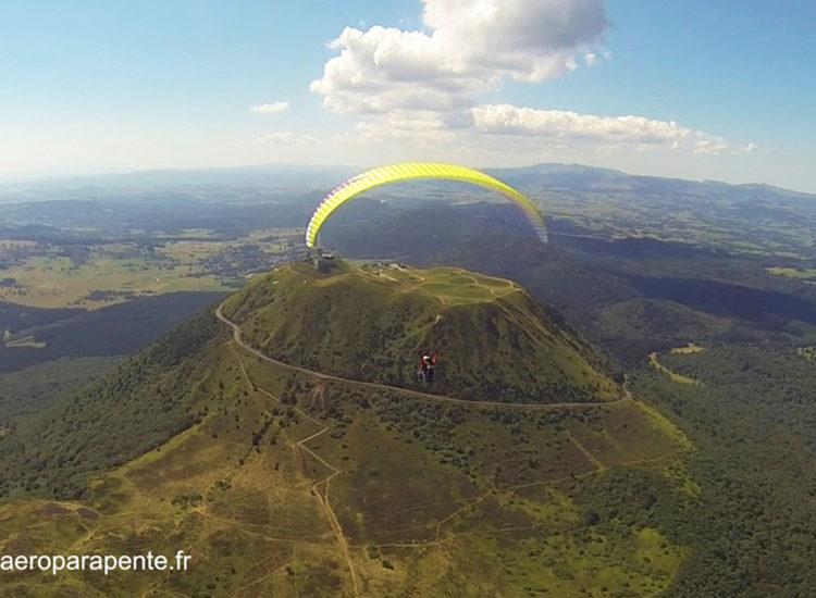 Vol en parapente sur la chaîne des puys - Aéroparapente