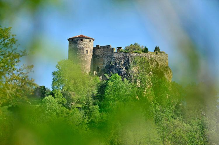 Château de Busséol en Mond'Arverne - © J. Damase - Auvergne-Rhône-Alpes Tourisme
