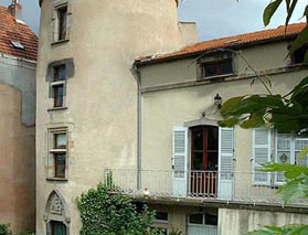 Chambres d'hôtes La Tour Richelieu Les Martres de Veyre - M. & Mme STARACE